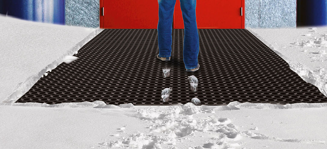 Rubber honeycomb mats for snow and wet conditions