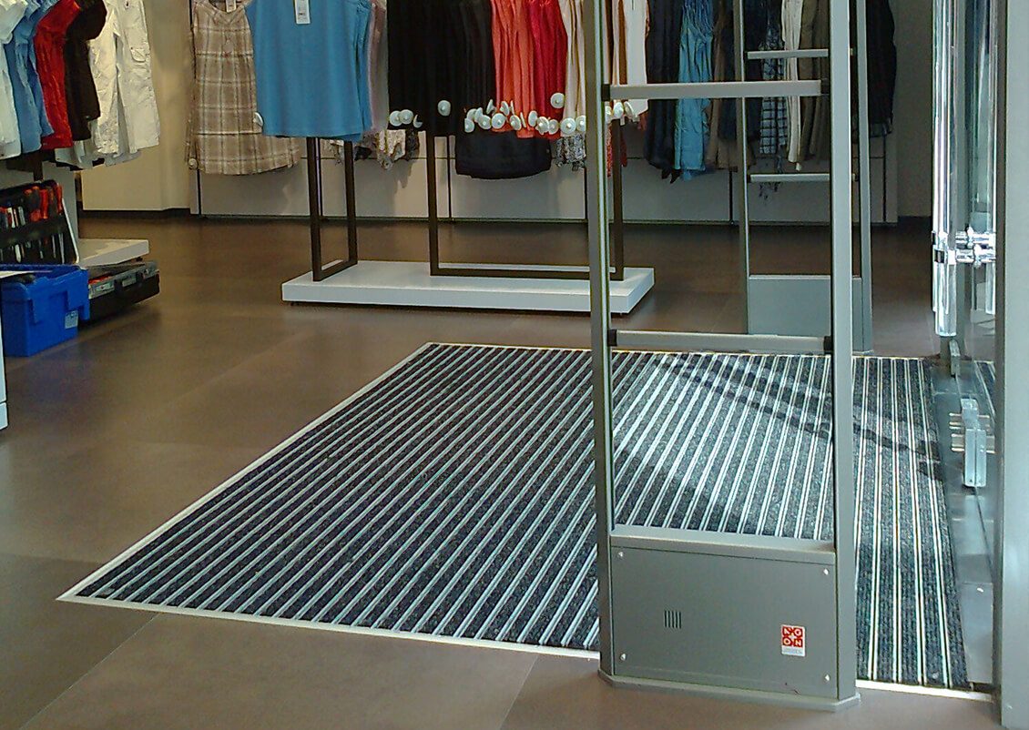 Entrance mats for airports, shopping centres, industrial environments and building sites